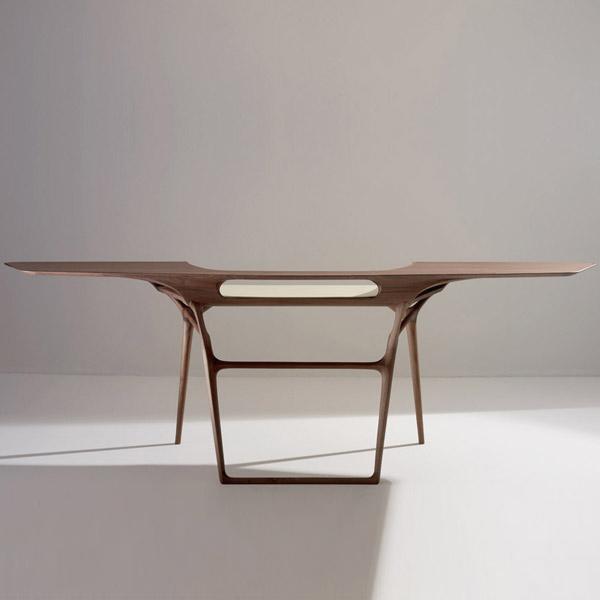 Computer design table Manta Desk by Noé Duchaufour Lawrance.