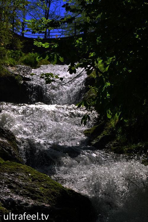 Dark Waterfall. (Ultrafeel.tv)