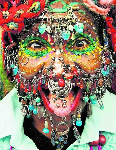 Elaine Davidson's Piercings (Photo: Tagblatt.ch)