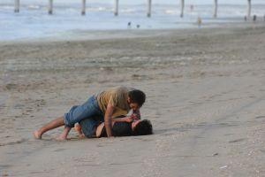 Lovers at the beach. Liebespaar am strand. (Sxc.hu)