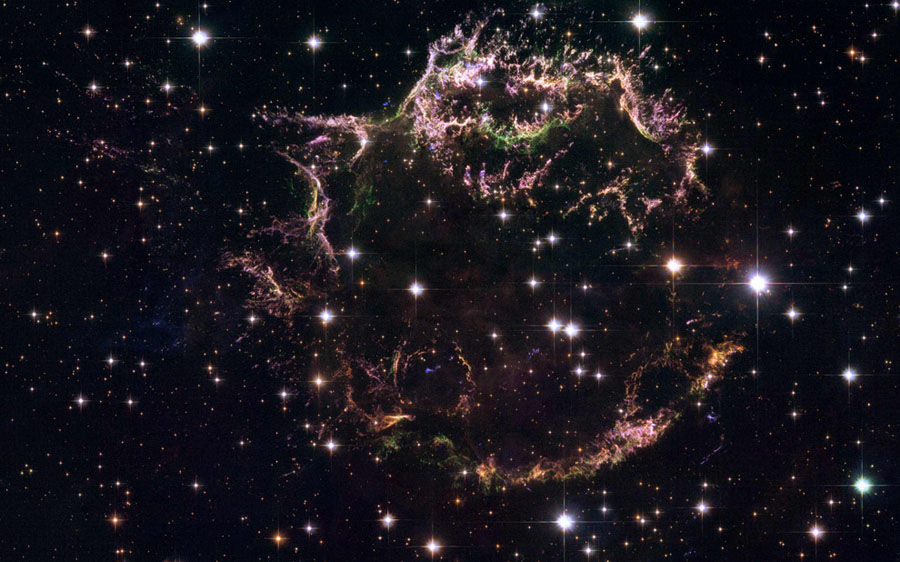 Cassiopeia A : Supernova explosion galaxy.