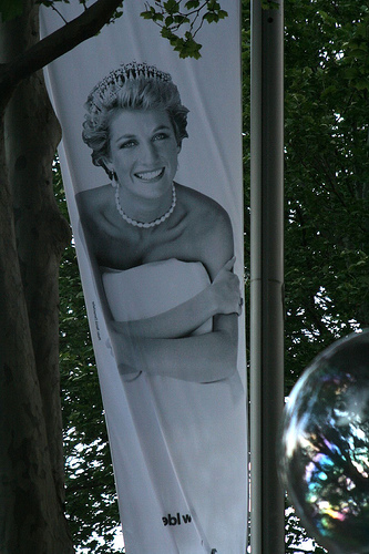 Princess Diana. Lady Di. Her death is an example for globalization?