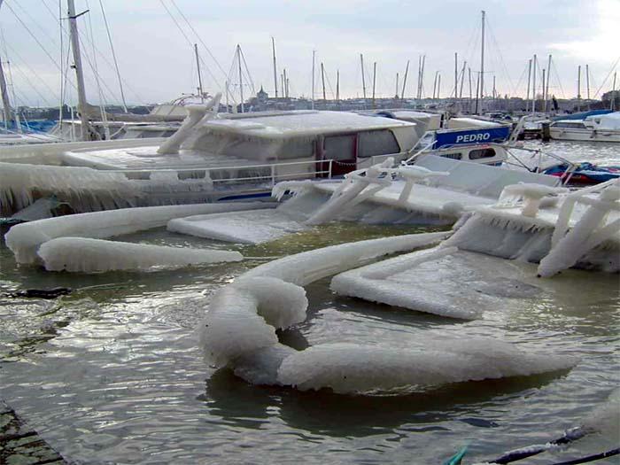 Ice on ship... Eis auf dem schiff...