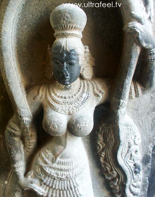 Goddess with naked breast, breasts, tits in Shiva temple, Tiruvannamalai. (cr)eated by ultrafeel.tv