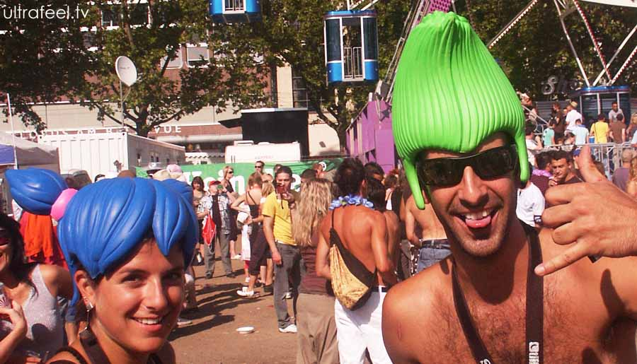 Streetparade 2008 - Blue and green 'hair'.