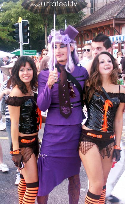 Streetparade 2008 - Man in women's purple clothes.